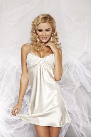 damska-kosilka-agnes-light-cream.jpg